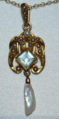 Pendant necklace with a love story lots of questions for Jewelry appraisal omaha ne