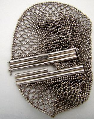 question about hallmark on platinum bracelet