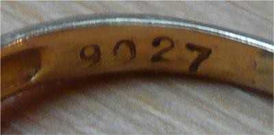 El juego de las imagenes-http://www.antique-jewelry-investor.com/images/ring-stamped-9027-is-this-a-hallmark-21235899.jpg