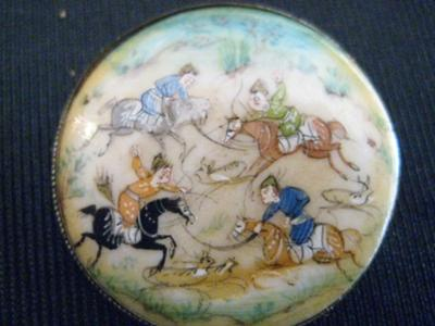 Sand Filled Hand Painted Shell Brooch With Oriental
