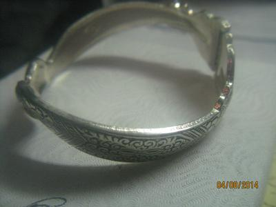 How Can I Find Out Who Made This Bracelet With The S