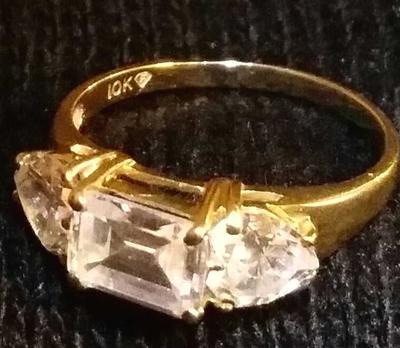 Dimond Shaped Stamp On Ring