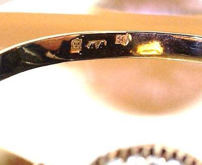 Bracelet marked 585