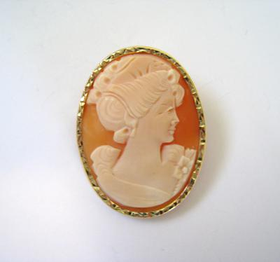 Value and age of my cameo for Antique jewelry worth money
